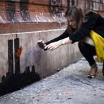 Locura en Nueva York por fotografiarse con las nuevas obras de Banksy antes que desaparezcan