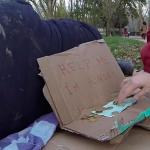 Experimento social: ¿Robarías despiadadamente 100 euros a un mendigo?