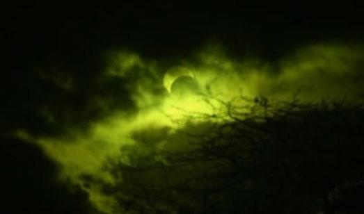 Espectacular eclipse solar híbrido