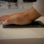 LG G Flex muestra su flexibilidad en vídeo