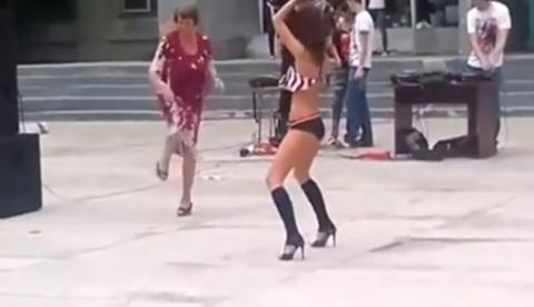 Duelo de bailes: Abuela vs. gogó de discoteca