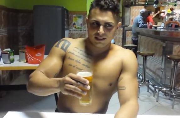 Canario se bebe tres cervezas y luego...