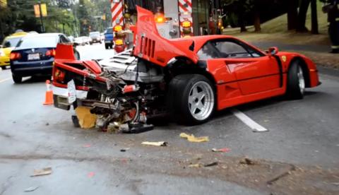 Así quedó su Ferrari F40...