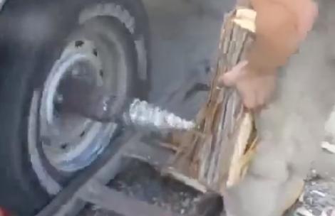 Forma de cortar leña a falta de una motosierra