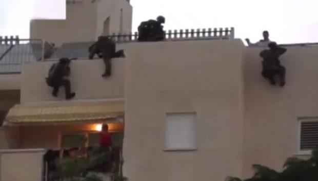Operación de rescate SWAT que no sale demasiado bien