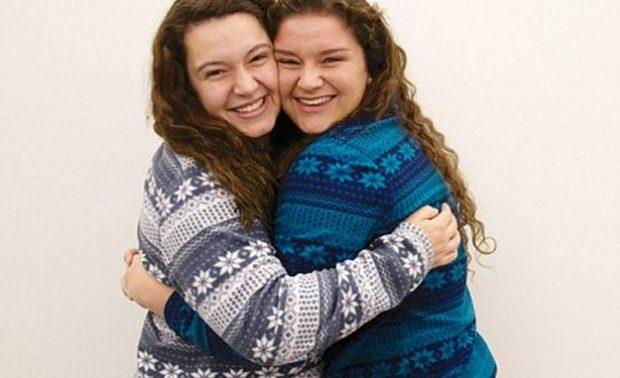 Amigas descubren que son hijas del mismo donante de esperma