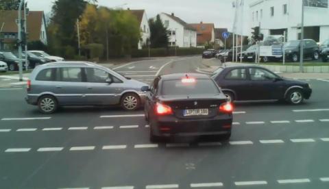 Los conductores y las intersecciones...
