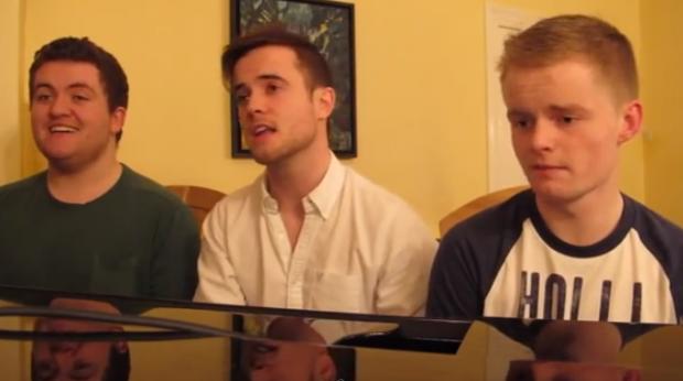 El mítico tema de la serie 'Friends', interpretado a lo lírico por estos tres amigos