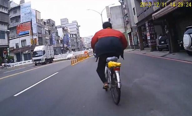 Si bebes, no cojas la bici...