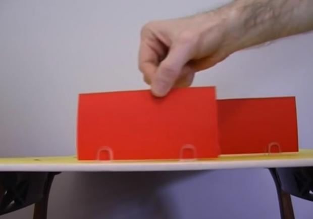 El misterio de las tarjetas rojas