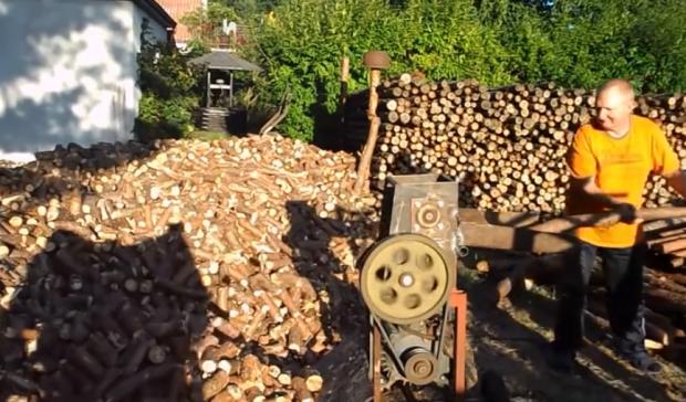 Máquina de cortar leña