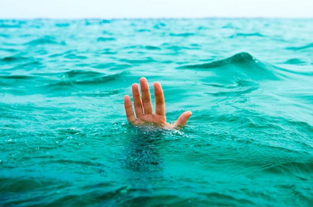 Pastor se ahoga tratando de caminar sobre el agua como Jesús
