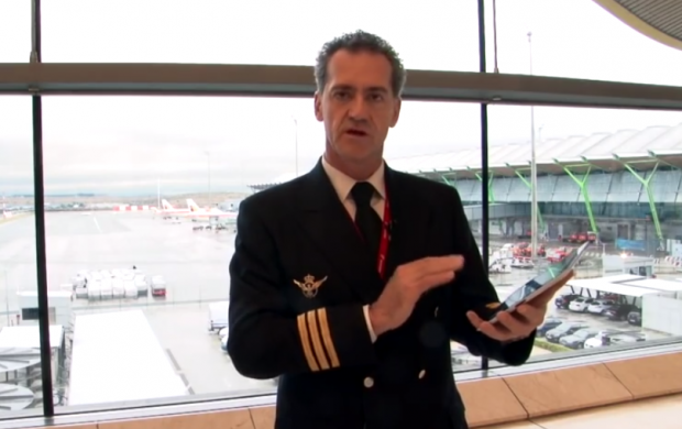 Iberia planea sustituir los manuales de a bordo de sus pilotos por iPads
