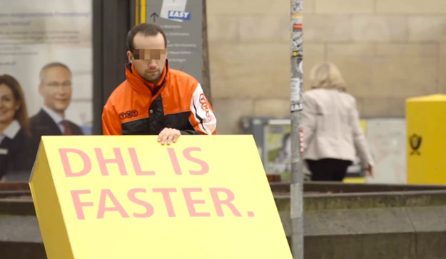 DHL le gasta una broma a su competencia enviando publicidad a través de ellos