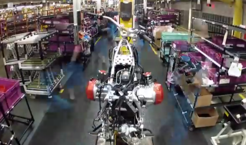 Así es como se monta una moto BMW R 1200 GS