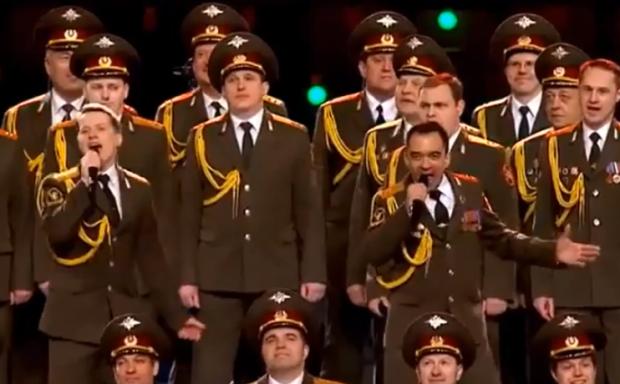 El Coro de la policía rusa cantando el Get Lucky de Daft Punk