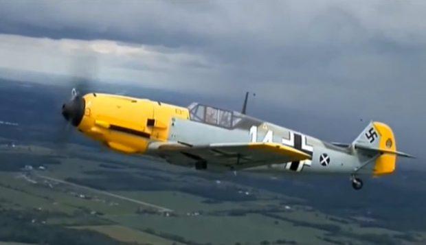 Messerschmitt BF 109 de 75 años de antigüedad volando