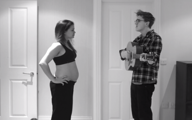 El time-lapse de un embarazo con un bonito fondo musical