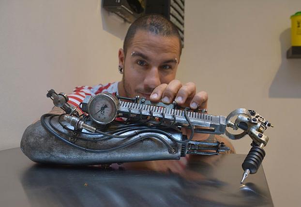 protesis-brazo-maquina-tatuadora-3