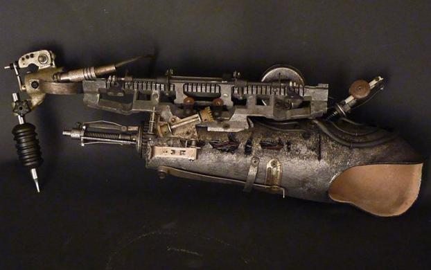 protesis-brazo-maquina-tatuadora-4