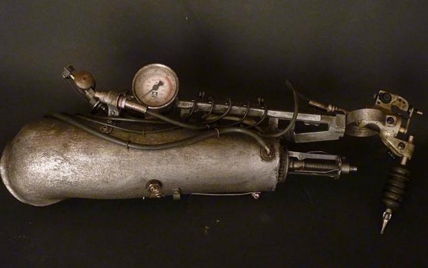 protesis-brazo-maquina-tatuadora-5