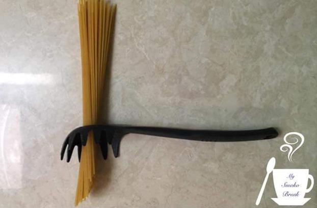 agujero-cuchara-espaguetis-3