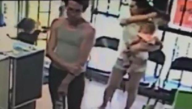 La increíble y rápida reacción de una madre que salva a su hija de ser secuestrada