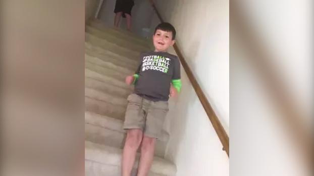 La reacción de un niño cuando se entera de que ha vencido al cáncer (Vídeo)