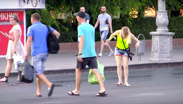En Rusia el calor está derritiendo las calles y esto es lo que pasa