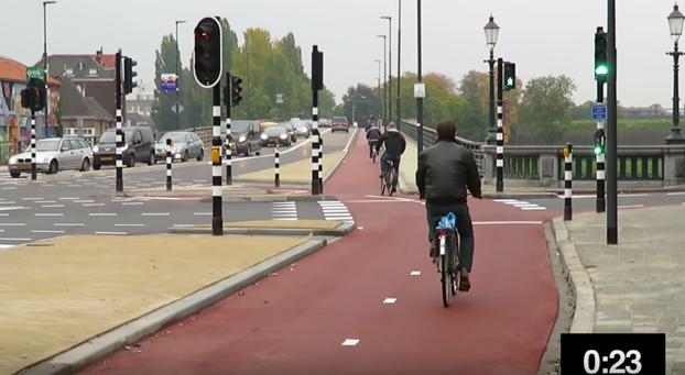 En Holanda los semáforos detectan cuando alguien espera... y se cambian solos (Vídeo)