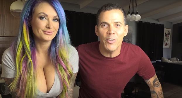 Los trucos de Steve-O con su amiga Laura Lux