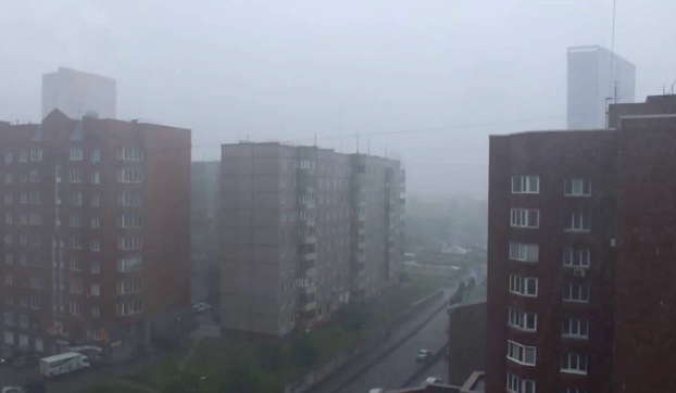 La guerra de los mundos: un terrorífico trípode extraterrestre 'invade' una ciudad rusa