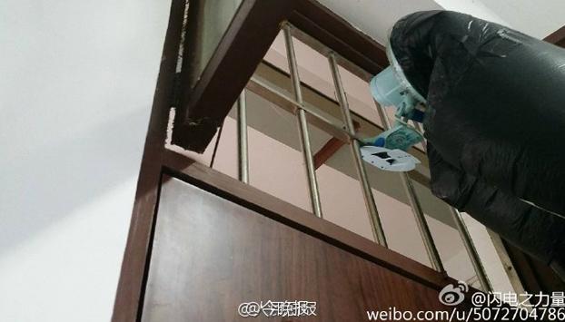 universitario-chino-sistema-bombear-aire-fresco-habitacion-fumadores-6