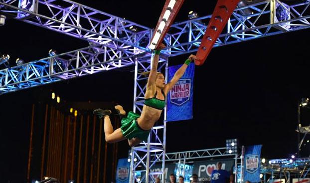 Jessie Graff completa el circuito American Ninja Warrior con un margen de 13 segundos