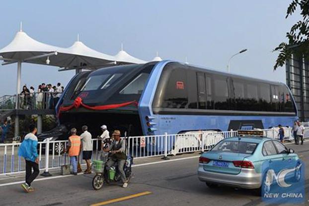 autobus-elevado-china-2