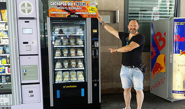 Instalan una máquina expendedora de cachopos en Atocha