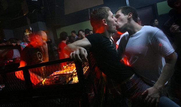 Detenido un sexagenario por cambiar lubricante por ácido clorhídrico en un bar gay