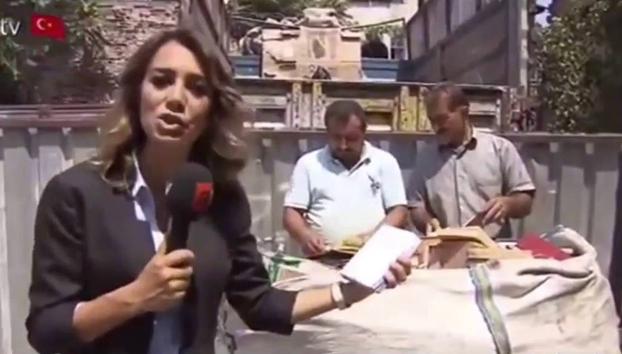 Periodista pro-Erdogan encuentra una libreta con trucos del GTA IV y dice que es un código secreto usado en el intento de golpe de estado