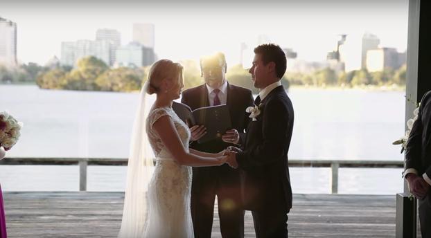 Una persecución madre-hija durante una boda convierte la ceremonia en viral (Vídeo)