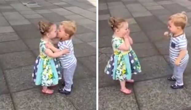 Estos dos niños conquistan las redes por su tierna reacción tras besarse