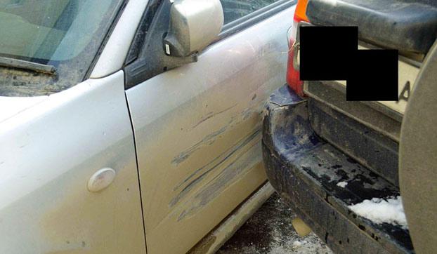 Un camión le abolló el coche y decidió arreglarlo de la forma más creativa
