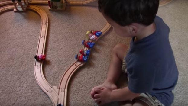 El dilema del tren: Esta es la solución del hijo de dos años de un profesor de psicología