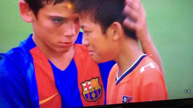 El bonito gesto de los niños del Barça Infantil B que está dando la vuelta al mundo