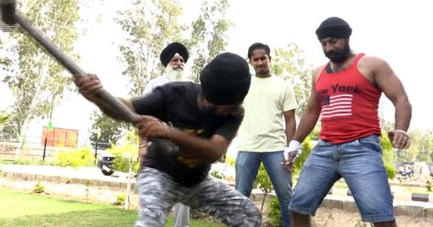 Amandeep Singh, 34 años y conocido en India como ''El hombre de acero''