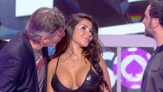 Polémica en Francia porque un presentador le besó un pecho en directo a la doble de Kim Kardashian