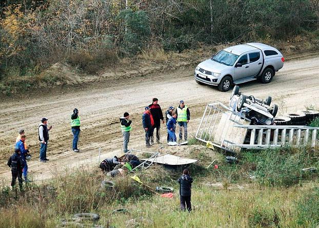 coche-rally-choca-torre-de-control-rusia-3
