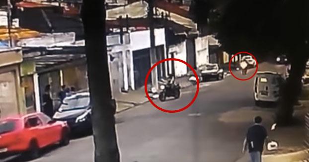 Este ladrón ya era hombre muerto antes de que terminase de anunciar su asalto