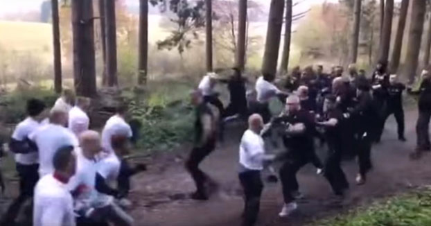 Hooligans del Estrasburgo y del Nancy quedan en un bosque para pegarse con los hooligans del Feyenoord (Vídeo)