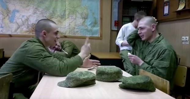 Todavía hay mucha gente que no conoce la broma de la cuchara, como este ruso...