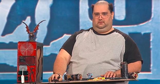 ÉPICO: Va a un concurso de disfraces de Warcraft y se presenta así